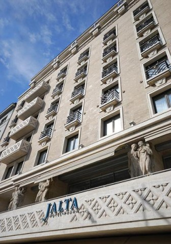 Hotel Jalta Exterior